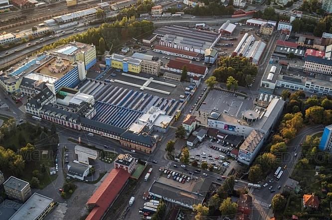 iQlandia a Babylon, Liberec, letecky