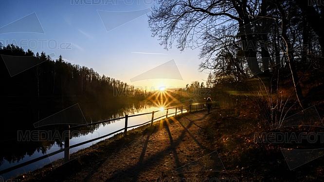 Přehrada Liberec - Harcov, západ slunce
