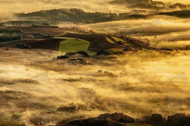 Krajina, ráno, mlha, slunce