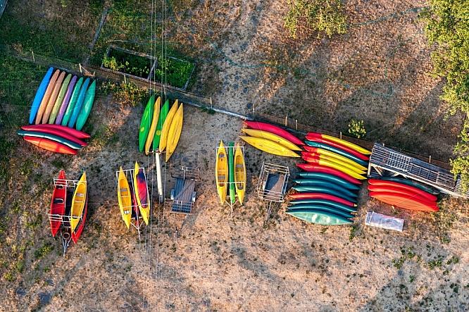 Půjčovna, kanoe, loď