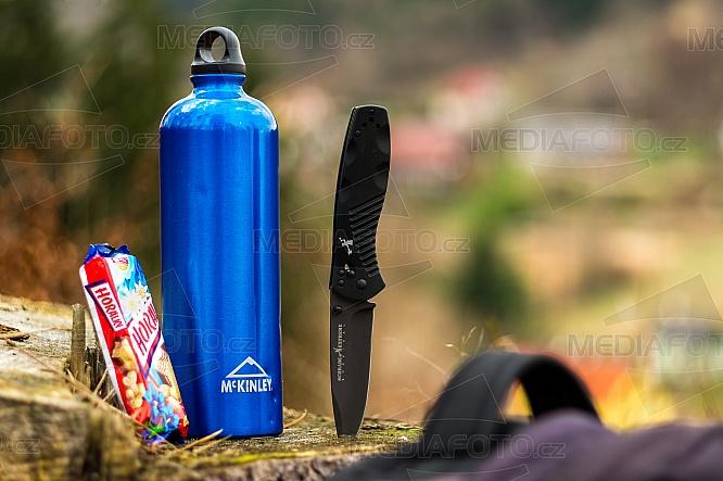 Nůž, Horalka, lahev, Mc Kinley, svačina