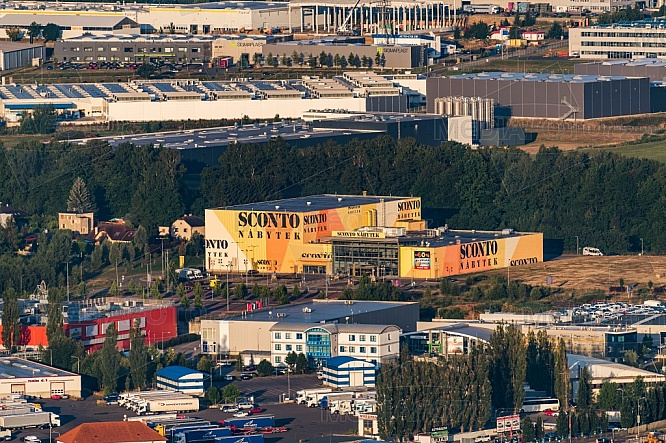 Sconto, Liberec, letecky, budova