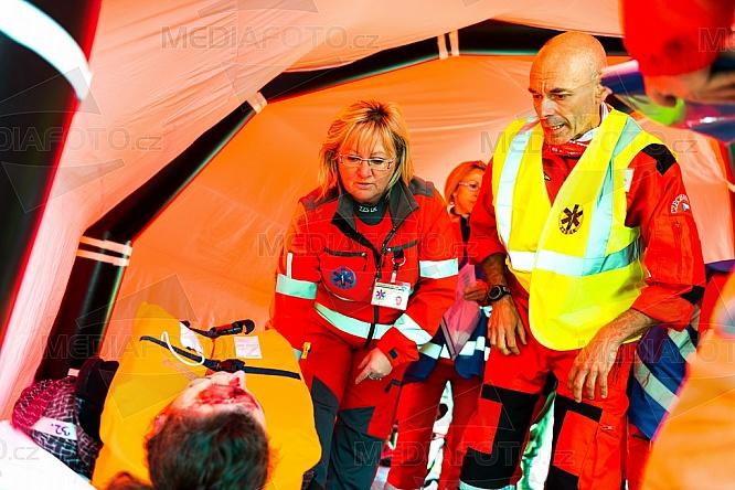 Cvičení IZS, záchranář, zraněný, doktor, lékař, první pomoc