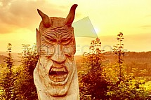 socha, čert, západ slunce