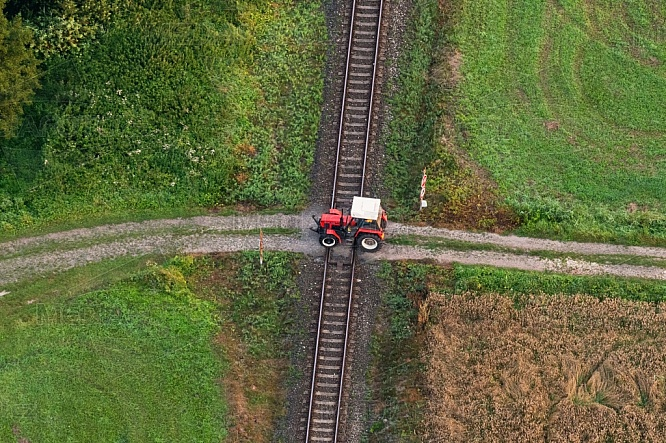 Traktor, koleje, železnice