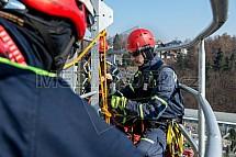 Hasič, výcvik, výškové práce, teplárna Liberec, BOZP