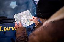 Studování mapy