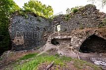 Hrad Návarov, zřícenina