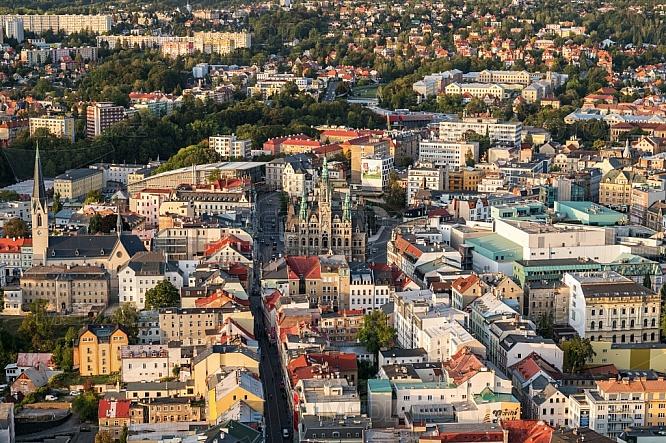 Liberec, centrum, radnice, letecky