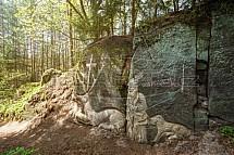 Sochy ve skalách, skalní reliéfy, Brniště