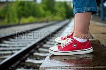 koleje, nádraží, boty, nohy, čekání