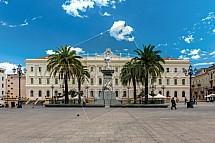 Palazzo della Provincia, Piazza d'Italia, Sassari, Sardinie.