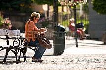 žena, odpočinek, lavička
