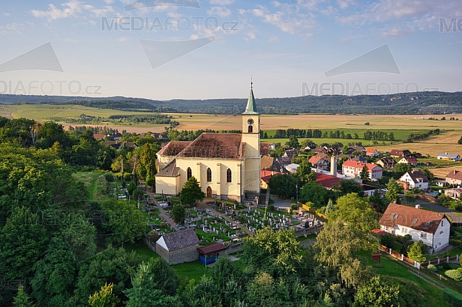 Kostel sv. Filipa a Jakuba, Všeň