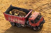 Automobil, náklad, písek, kámen