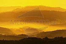 Český ráj, východ slunce, mlha