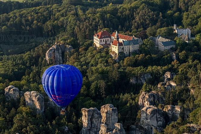 Horkovzdušný balón, Hrubá Skála, Český Ráj