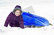 Dítě, sníh, bobování