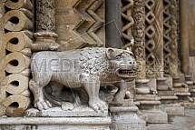 Kamenný lev, socha