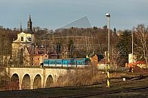 Viadukt, železnice, vlak, kostel, Rychnov u Jablonce nad Nisou