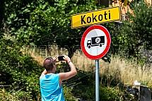 Kokoti, místní značení, zákaz, obec