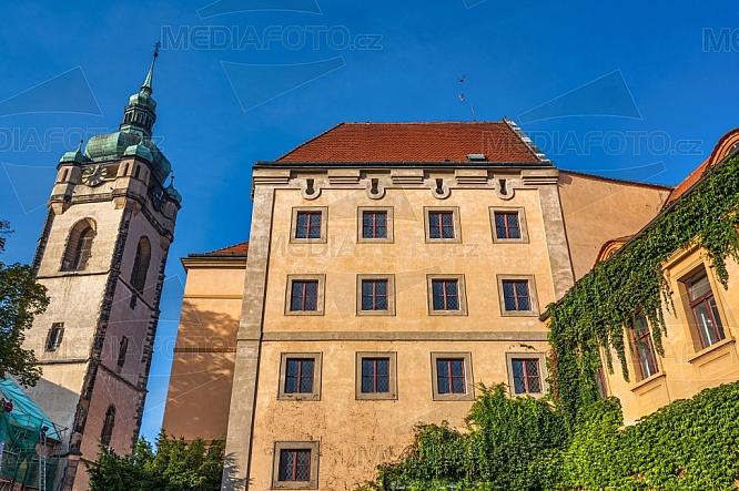 Kostel sv. Petra a Pavla a zámek Mělník