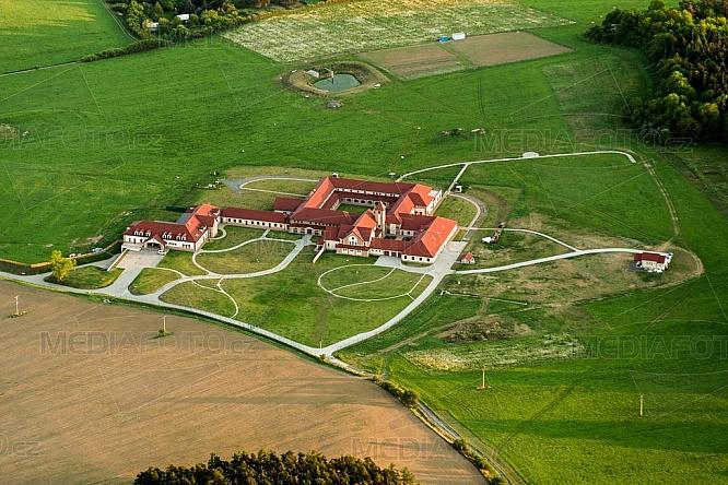 Trapistický klášter, Poličany
