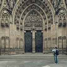Chrám svatého Víta, brána, vchod, turista