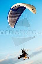 Paraglide, paragliding, pilot, letec, křídlo, létání