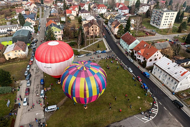 Kostel Navštívení Panny Marie, Hejnice, horkovzdušný balón