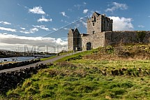 Dunguaire Castle, Kinvarra, Irsko