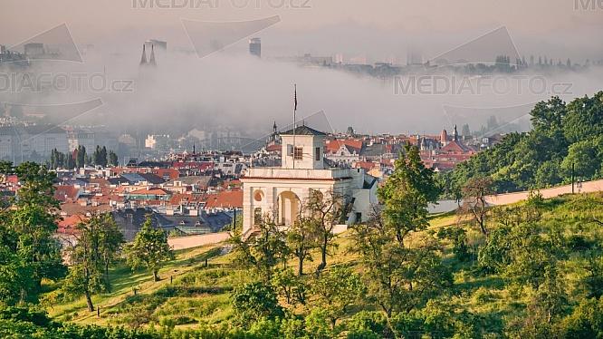 Schönbornská zahrada, vyhlídkový pavilon - Glorieta, Praha.
