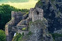 Trosky, hrad, věž