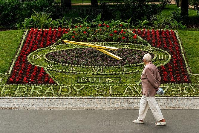 Květinová mozaika, hodiny