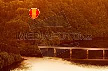 Živohošťský most, Slapy, balon, Vltava