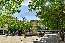 Carcassonne, náměstí, kašna