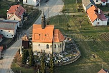 Nadslav, kostel sv. Prokopa, letecky