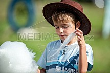 Dítě, sladkost, cukrová vata