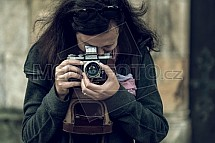Praktica, fotoaparát, fotografka