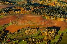 Pole, zemědělství, letecky, ráno, podzim