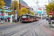 Tramvaj, Fügnerova, ulice, Liberec, OC Forum, podzim