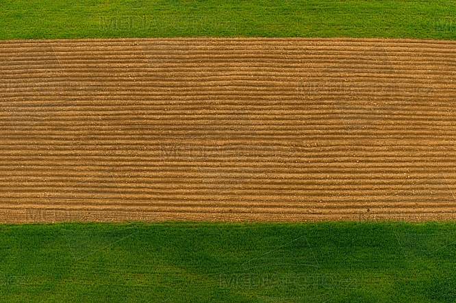 Pole, ornice, zemědělství