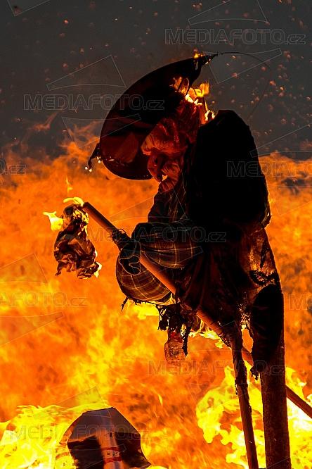 zábava, čarodějnice vatra, oheň