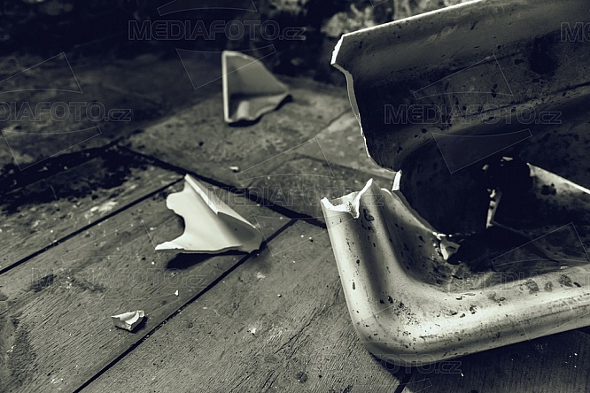 Rozbité umyvadlo