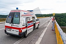 sanitka, ambulance, Žďákovský most