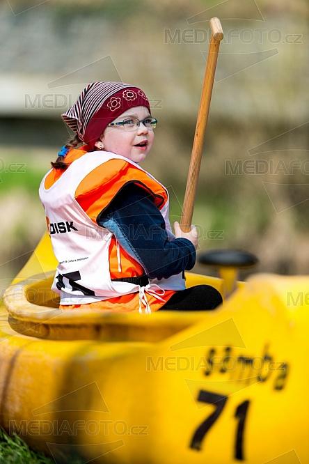 Vodák, vodáctví, kanoe, dítě