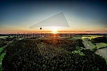 Střední čechy, horkovzdušné balony, les