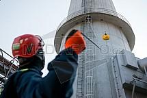 Hasič, výcvik, výškové práce, teplárna Liberec