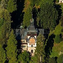 Řezníčkova vila, obecní úřad, Hrubá Skála, letecky