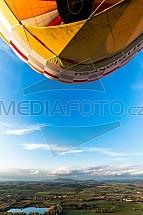 Horkovzdušný balon, krajina, let